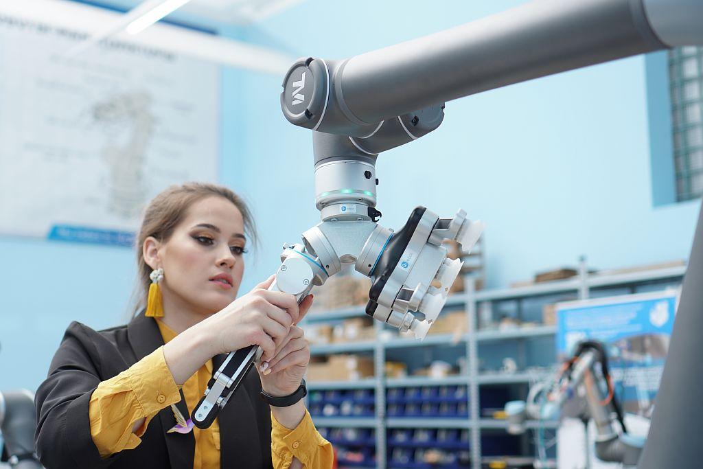 SIA. TM Robot и VG10 Grippe OnRobot/r