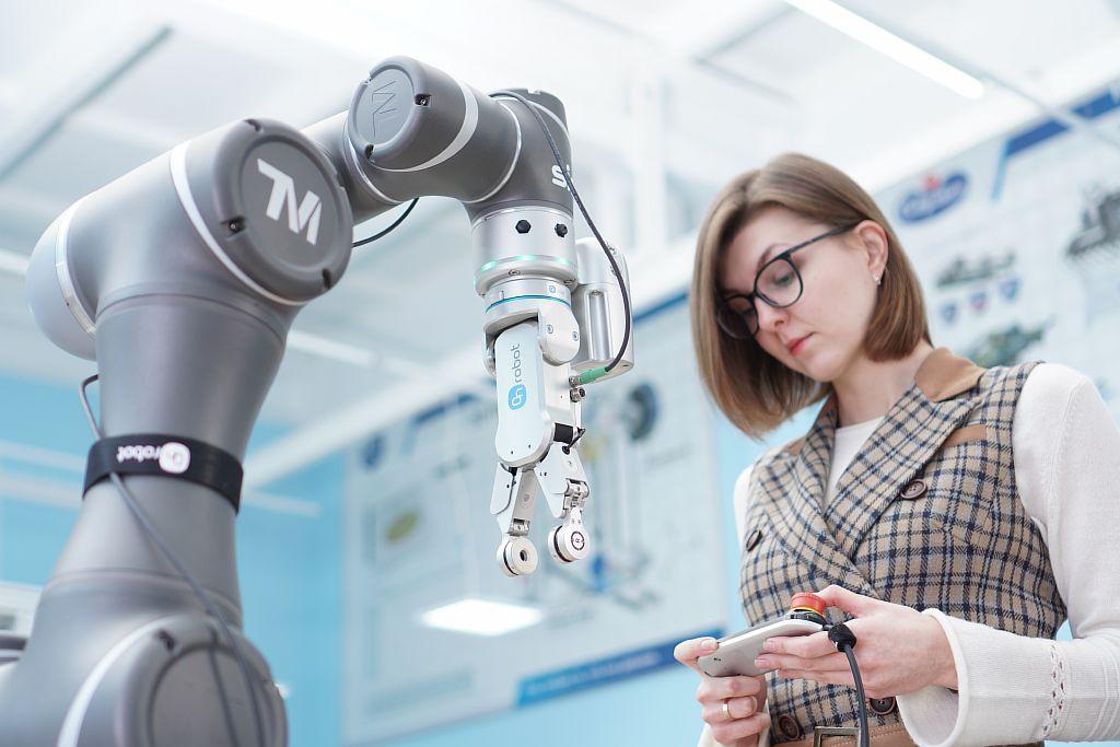 SIA. Программирование робота TM Robot.