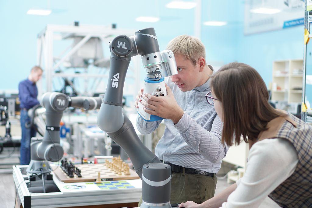 SIA. Сборка TM Robot и Gecko Gripper OnRobot.