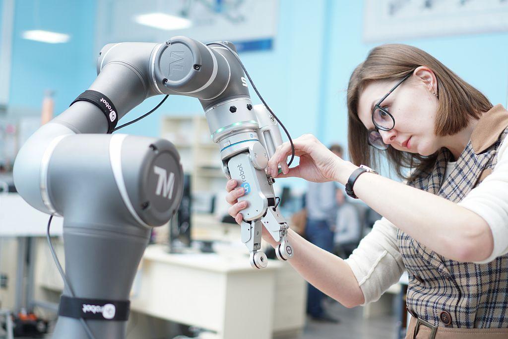 SIA. Сборка TM Robot и RG2-FT Gripper OnRobot