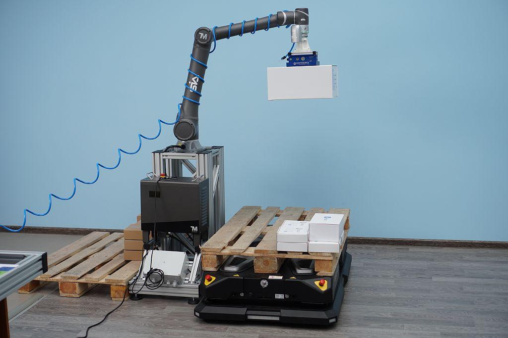 SIA. Испытание робота паллетайра.